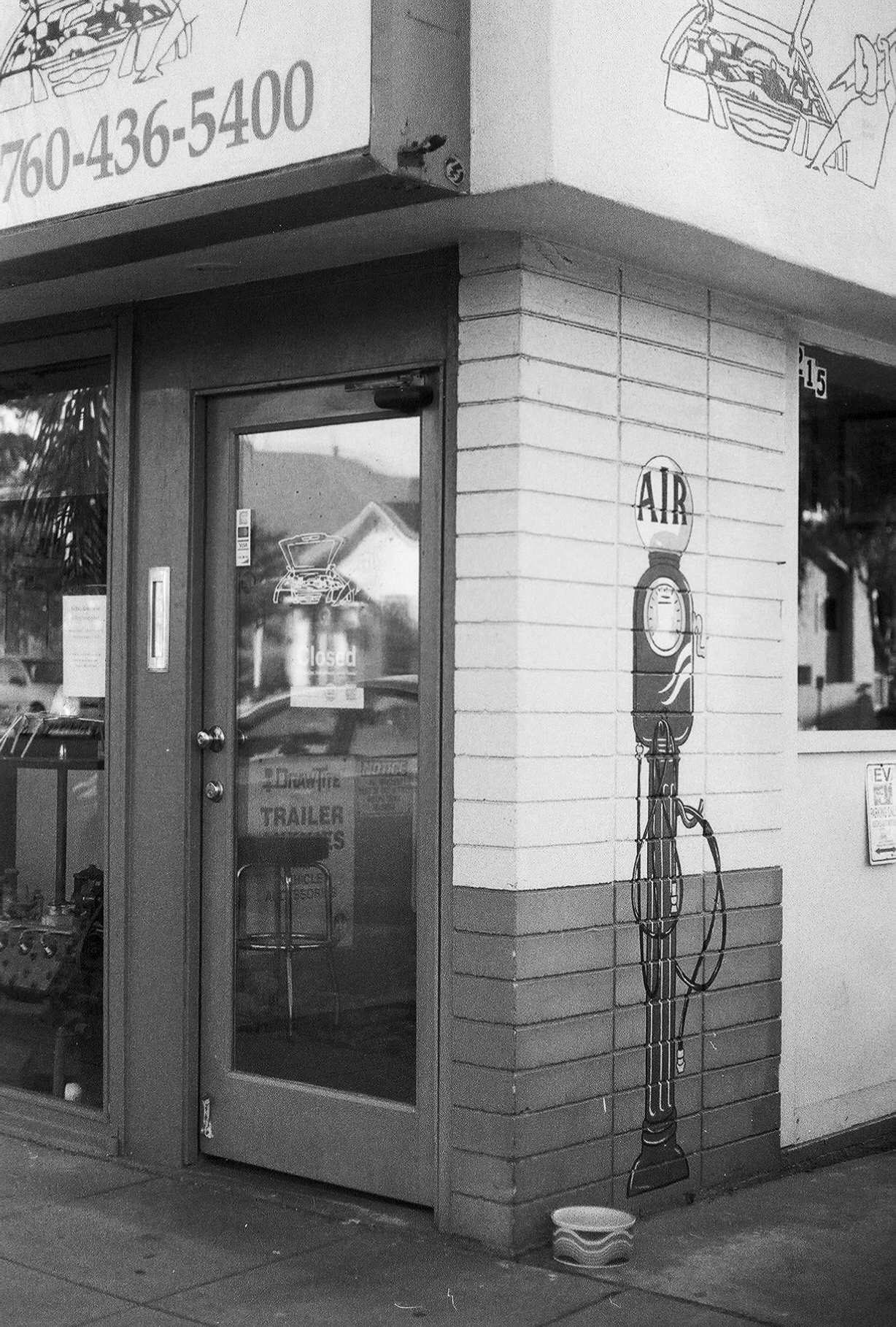 Black and white photography of gas station in Encinitas California